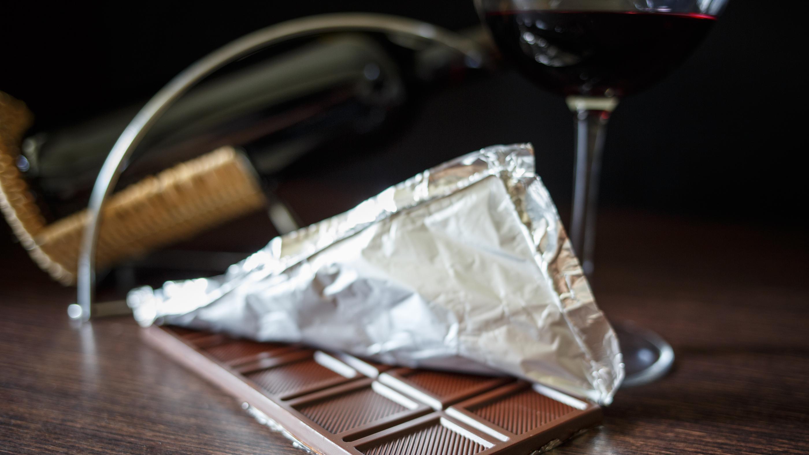 Sirtfood-diéta: fogyás étcsokoládéval és vörösborral?