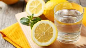 Cura alcalinizzante e disintossicante di limone in 10 giorni - Purifica, disintossica, fa perdere peso e dona un alito fresco!