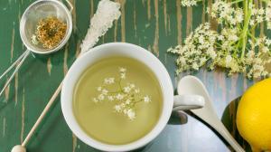 Sirup z bezu a bezový čaj: chutné, voňavé léky