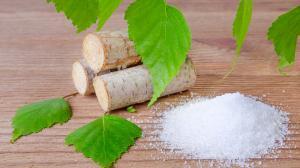 Tajomstvá xylitolu: Čo je spoločné medzi kukuricou a brezovým cukrom?