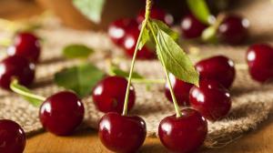 Detoxikují, zmírňují výskyt vrásek a pomáhají hubnout: i pro toto je dobré konzumovat třešně!