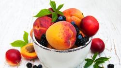 Dieta estiva: tre frutti disintossicanti e brucia grassi